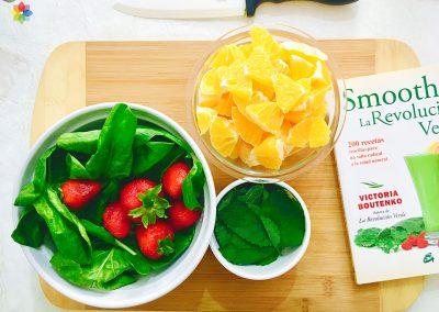 Licuado verde con melisa