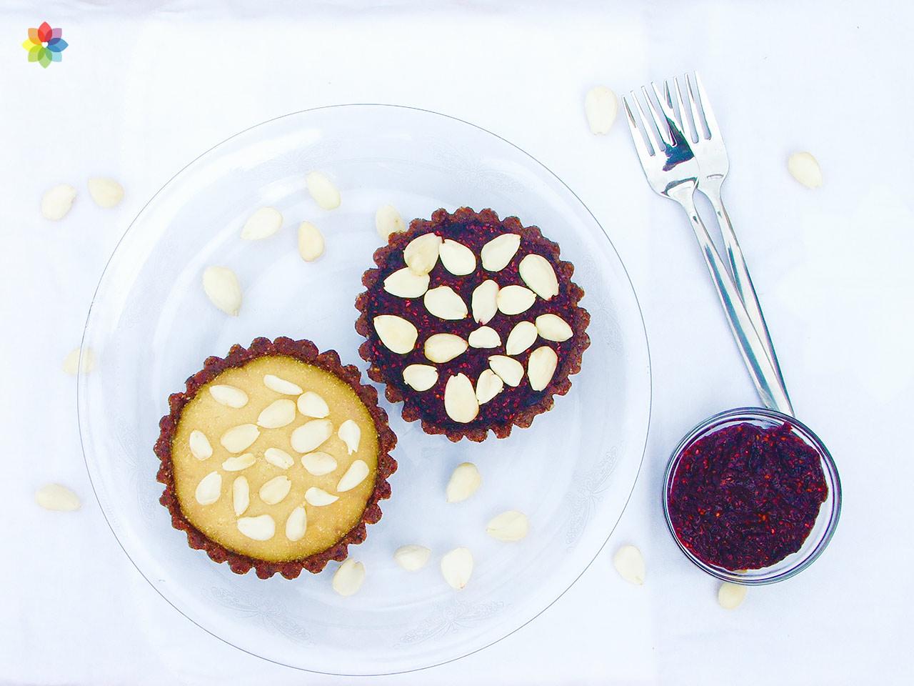 Tarta Bakewell con mazapán de almendras y mermelada de frutos rojos