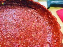 Base de tarta con tomates secos